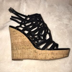 Shoes - 🖤🖤strappy wedges🖤🖤